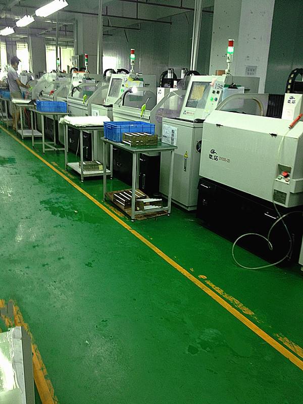 深圳欧骅光电正在使用鼎亿精雕机