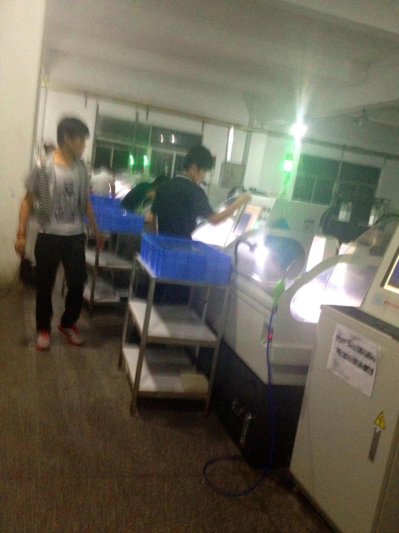 东莞简杰电子正在使用鼎亿精雕机
